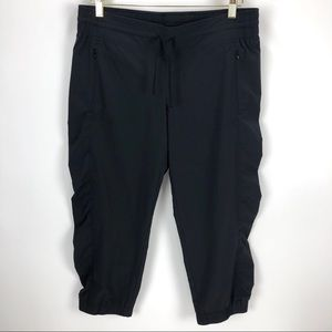 Athleta Loose Fit Thin Wind Pants Gray - Size 10